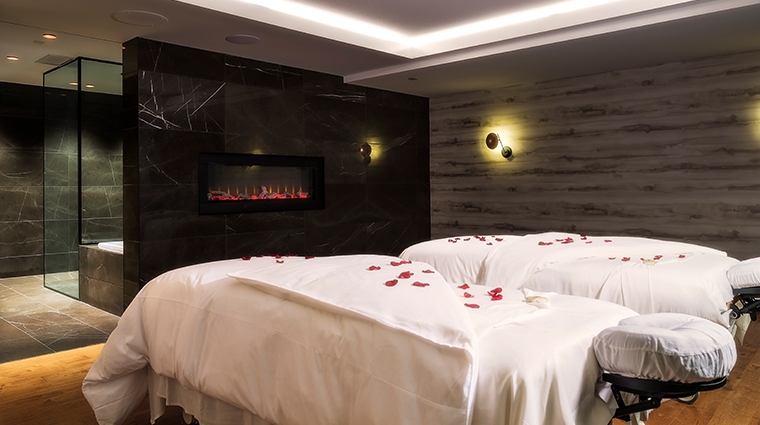 willow stream spa at the fairmont banff springs treatment room