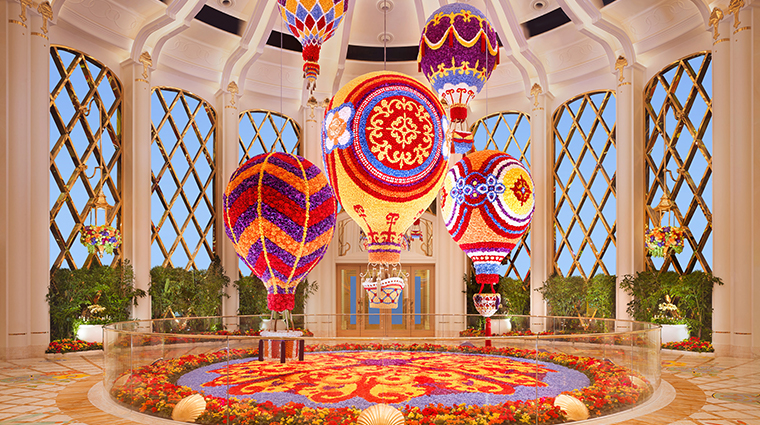 wynn palace balloons day