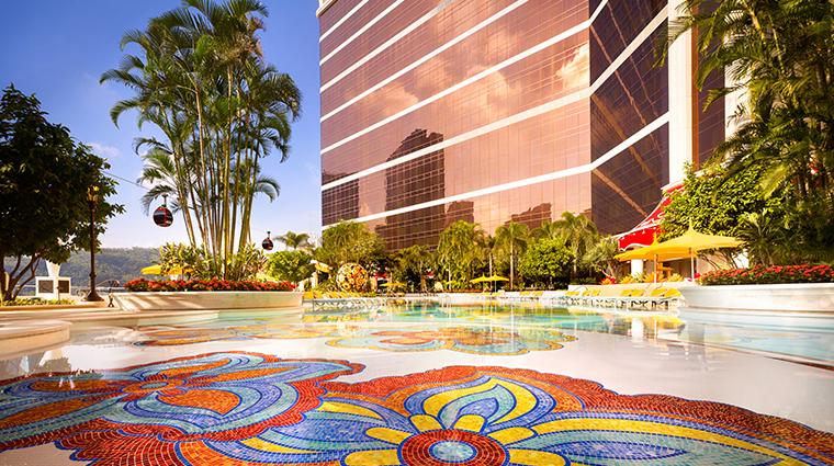 wynn palace pool2